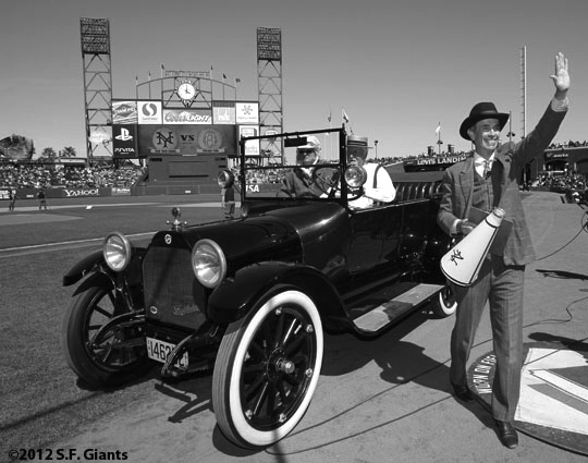ny giants, san francisco giants, sf giants, turn back the clock, turn back the century, 2012, joe halesy, 1912, photo,