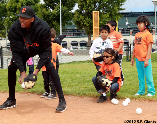 San Francisco Giants, S.F. Giants, photo, 2012, Joaquin Arias, community