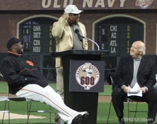 barry bonds, sf giants, san francisco giants, 2002, photo, 600th home run, willie mays, jon miller