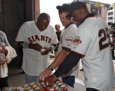 Dusty Baker, Jeff Kent & Barry Bonds signing balls for the Community Fund
