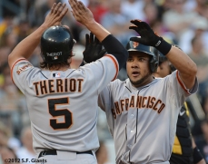 sf giants, san francisco giants, photo, 2012, ryan theriot, mekly cabrera