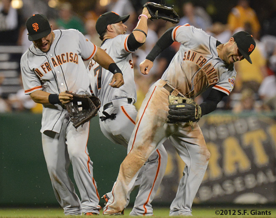 sf giants, san francisco giants, photo, 2012, malky cabrera, gregor blanco, justin christian