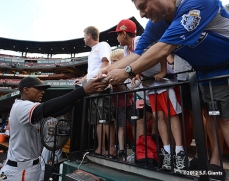 sf giants, san francisco giants, photo, 2012, fans, joaquin arias