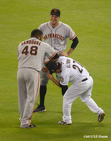 sf giants, san francisco giants, photo, 2012, jose altuve, hunter pence, pablo sandoval