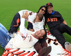 sf giants, san francisco giants, photo, 2012, family day, gregor blanco