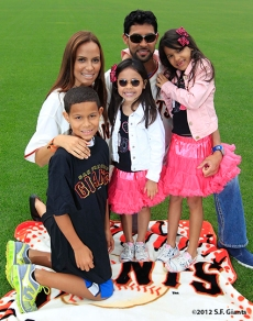 sf giants, san francisco giants, photo, 2012, family day, angel pagan
