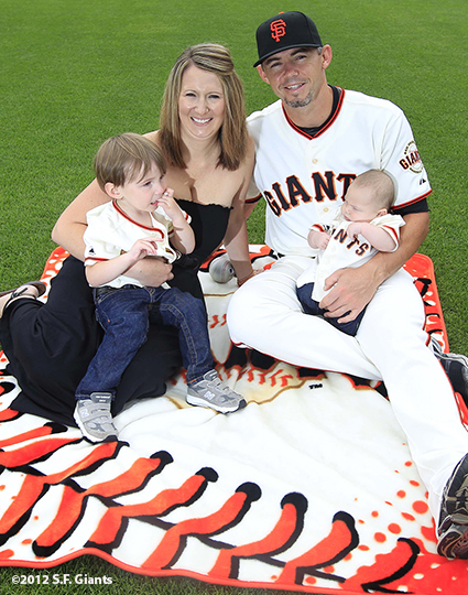 sf giants, san francisco giants, photo, 2012, family day, eli whiteside