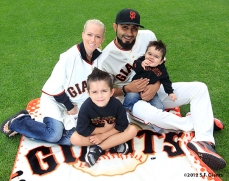 sf giants, san francisco giants, photo, 2012, family day, sergio romo