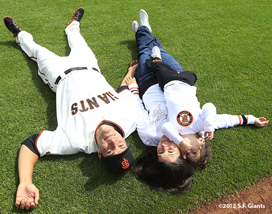 sf giants, san francisco giants, photo, 2012, family day, javier lopez