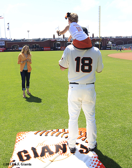 sf giants, san francisco giants, photo, 2012, family day, matt cain