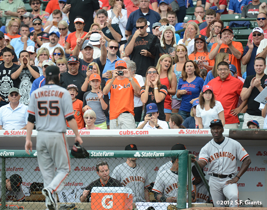 sf giants, san francisco giants, photo, 2012, wrigley field, fans, tim lincecum