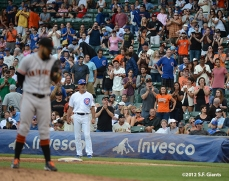 sf giants, san francisco giants, photo, 2012, wrigley field, fans, sergio romo