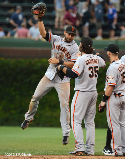 sf giants, san francisco giants, photo, 2012, wrigley field, angel pagan, brandon crawford