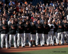 sf gaints, san francisco giants, photo, 2912, national anthem, team