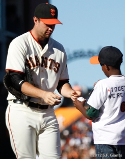 sf giants, san francisco giants, photo, 2012, brandon belt, fan