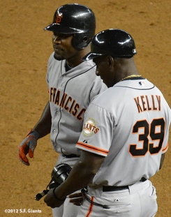 sf giants, san francisco giants, photo, 2012, santiago casilla, roberto kelly
