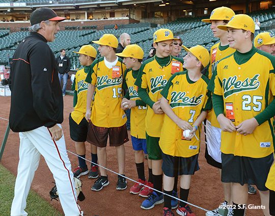 sf giants, san francisco giants, photo, september 19, 2012, petaluma little league all stars, ron wotus