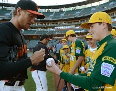 sf giants, san francisco giants, photo, september 19, 2012, petaluma little league all stars, hunter pence