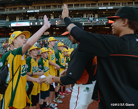 sf giants, san francisco giants, photo, september 19, 2012, emmanuel burriss, petaluma little league all stars,