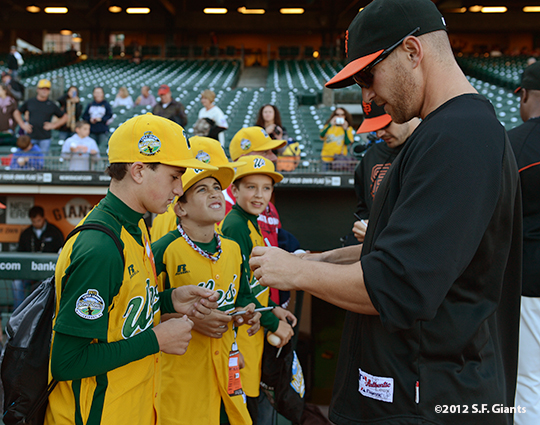 sf giants, san francisco giants, photo, september 19, 2012, petaluma little league all stars, shane loux
