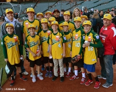 sf giants, san francisco giants, photo, september 19, 2012, petaluma little league all stars, sergio romo, amy g