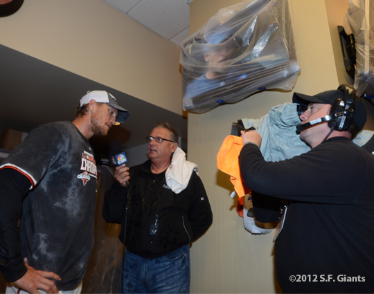 sf giants, san francisco giants, photo, 2012, september 22, giants clinch the west, duane kuiper, hunter pence