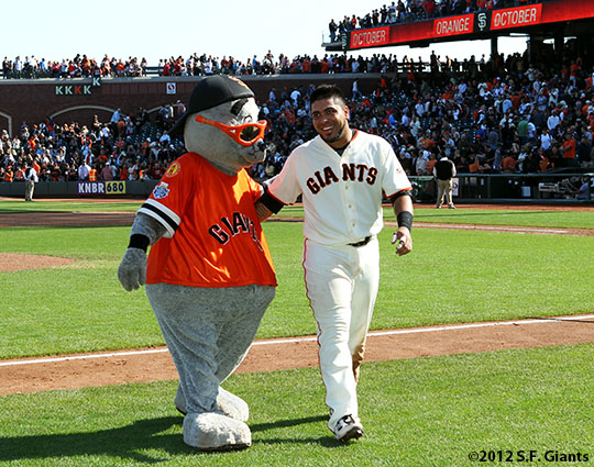 San Francisco Giants, S.F. Giants, photo, 2012, Lou Seal, Hector Sanchez