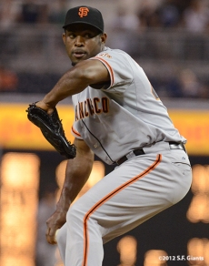 sf giants, san francisco giants, photo, september 28, 2012, san diego, santiago casilla