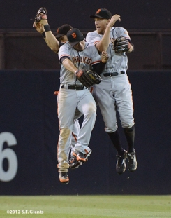 sf giants, san francisco giants, 9/28, 2012, photo, win, jump, hunter pence, gregor blanco, angel pagan