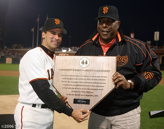 sf giants, san francisco giants, willie mac award, photo, group, willie mccovey, 2006, omar vizquel