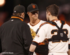 sf giants, san francisco giants, photo, 10/6/2012, nlds game 1, dave righetti, matt cain, buster psey