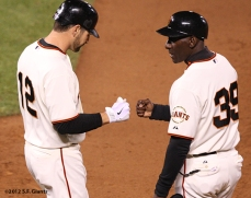 sf giants, san francisco giants, photo, 10/6/2012, nlds game 1, xavier nady, roberto kelly