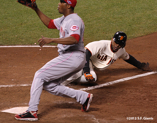sf giants, san francisco giants, photo, 10/6/2012, nlds game 1, joaquin arias
