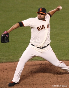 sf gaints, san francisoc giants, photo, 2012, nlds game 2, 10/7/2012, jose mijares