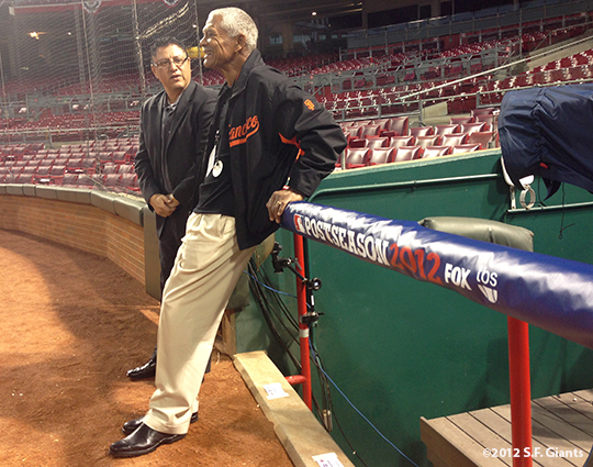 sf giants, san francisco giants, photo, 2012, nlds, work out day, erwin higueros, felipe alou