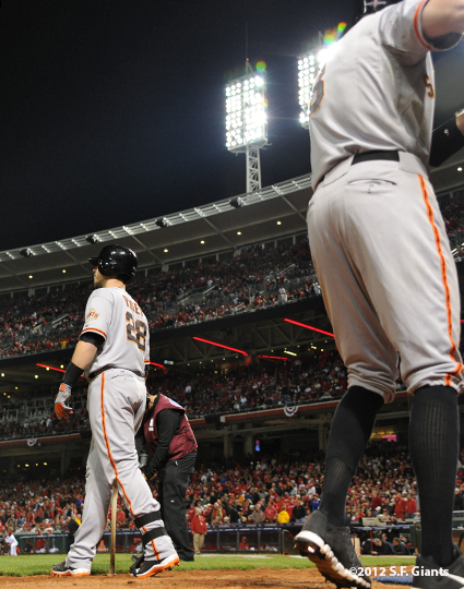 sf giants, san francisco giants, photo, 10/9/2012, nlds game 3, buster posey, hunter pence