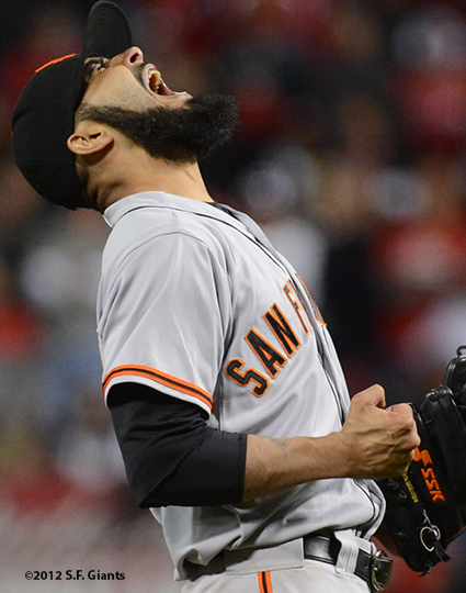 sf giants, san francisco giants, photo, 10/9/2012, nlds game 3, sergio romo