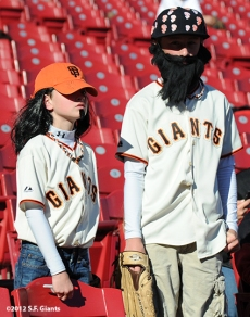 sf giants, san francisco giants, photo, 10/9/2012, nlds game 3, fans