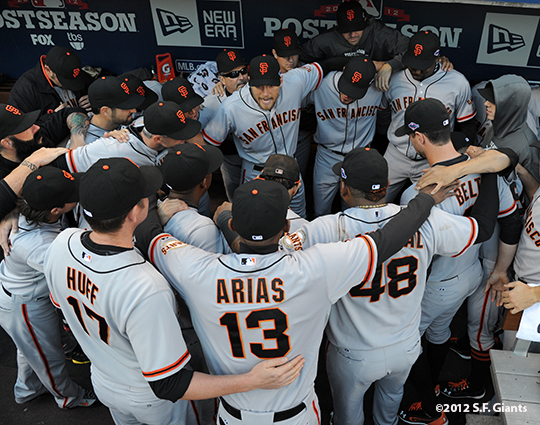 sf giants, san francisco giants, photo, 10/9/2012, nlds game 3, team, hunter pence
