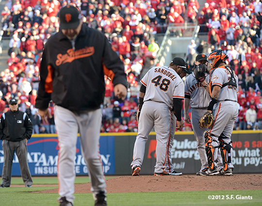 sf giants, san francisco giants, photo, 10/10/2012, nlds game 4, bruce bochy, pablo sandoval, tim lincecum, hector sanchez