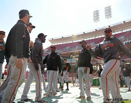 sf giants, san francisco giants, photo, 10/10/2012, nlds game 4, warming up
