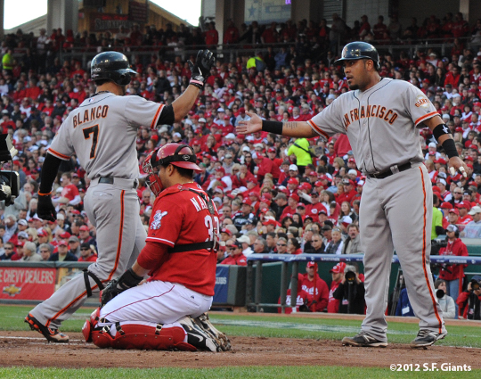 sf giants, san francisco giants, photo, 10/10/2012, nlds game 4, gregor blanco, hector sanchez