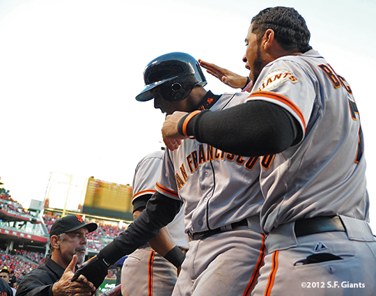 sf giants, san francisco giants, photo, 10/10/2012, nlds game 4, bruce bochy, joaquina rias, gregor blanco