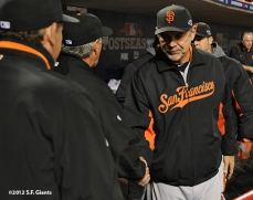sf giants, san francisco giants, photo, 10/10/2012, nlds game 4, bruce bochy