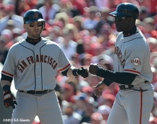 sf giants, san francisoc giants, photo, 10/11/2012, nlds clinch, win, marco scutaro, roberto kelly