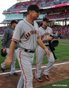 sf giants, san francisoc giants, photo, 10/11/2012, nlds clinch, win, bruce bochy, ryan vogelsong