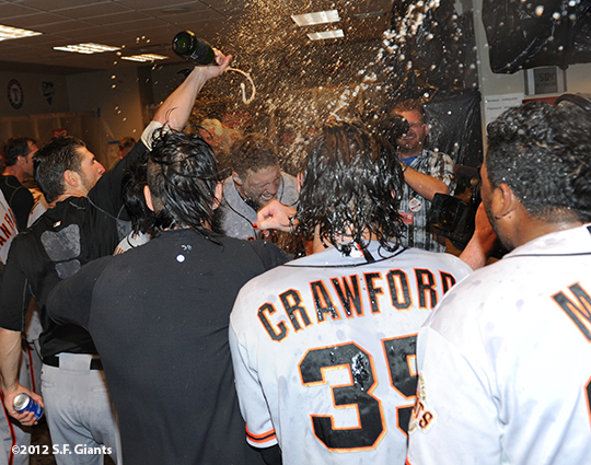 sf giants, san francisco giants, photo, nlds, 2012, team, clubhosue celebration