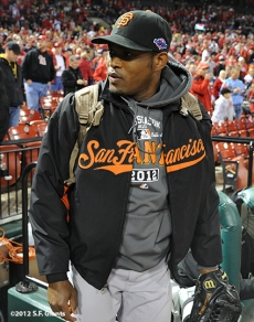 sf giants, san francisco giants, photo, 10/18/2012, nlcs game 4, santiago casilla