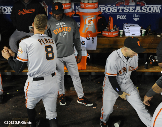 sf giants, san francisco giants, photo, 10/18/2012, nlcs game 4, hunter pence, marco scutaro