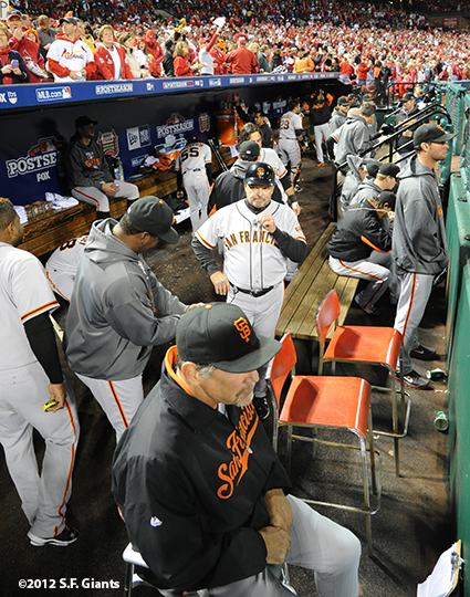 sf giants, san francisco giants, photo, 10/18/2012, nlcs game 4, dugout, team